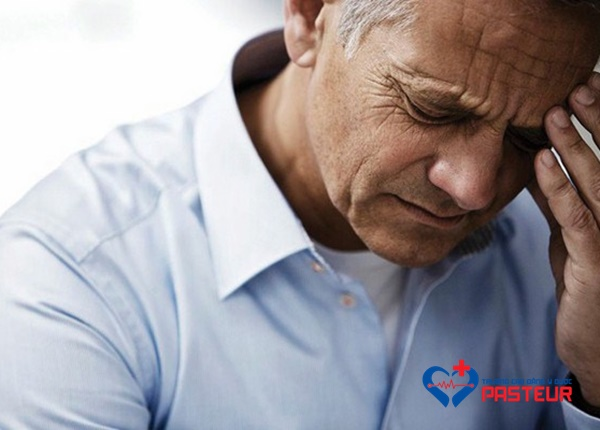Cách xử lí khi bị tụt huyết áp đột ngột