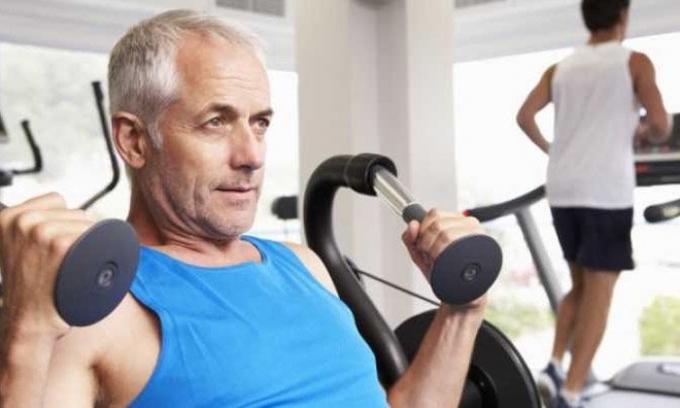 Tim mạch khỏe mạnh sau tuổi 60 nhờ tập gym đúng cách