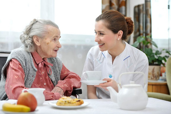 Tư vấn thực đơn cho người bệnh cao tuổi