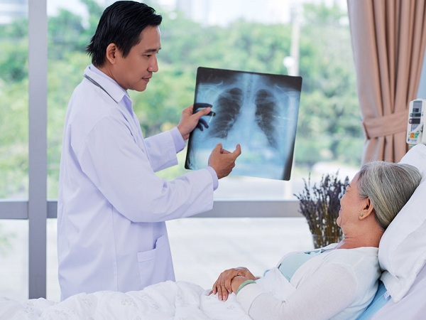 Viêm phổi mùa lạnh ở người cao tuổi